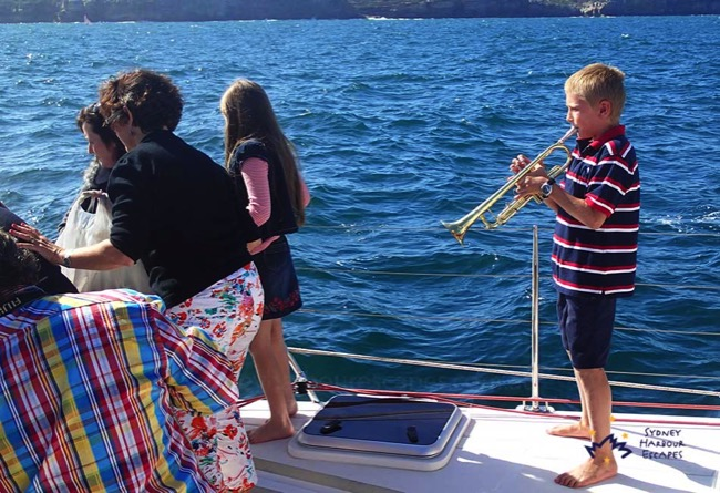 Scattering Ashes At Sea Ceremonies Image 3