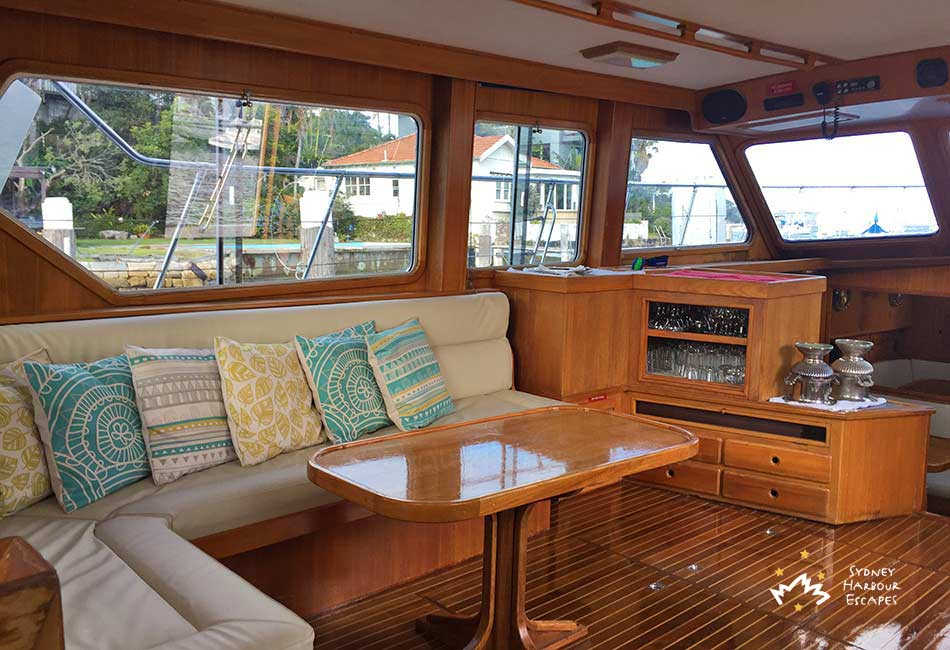 Ambiance boat hire private party boat charter sydney for Ambiance australia