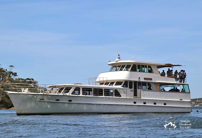 COMMISSIONER II 80' Classic Motor Yacht Corporate Cruises