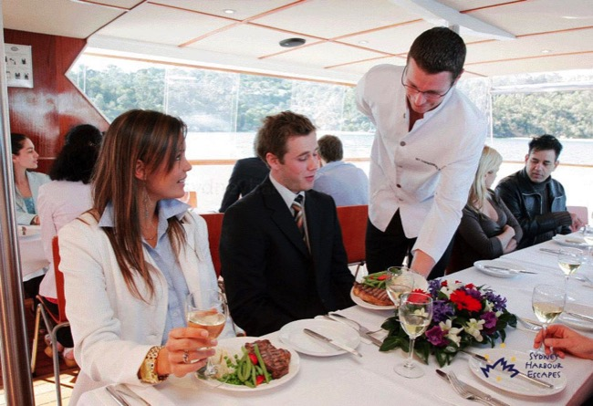 Commissioner ii dining boat hire