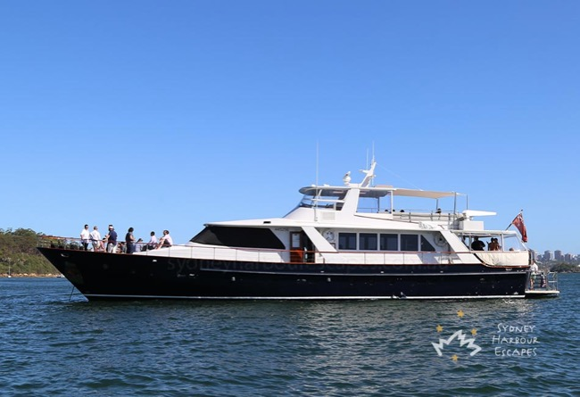 HIILANI 95' Luxury Motor Yacht Corporate Boat Cruises