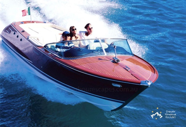 LA DOLCE VITA 26' Comitti Luxury Water Limousine Private Charter