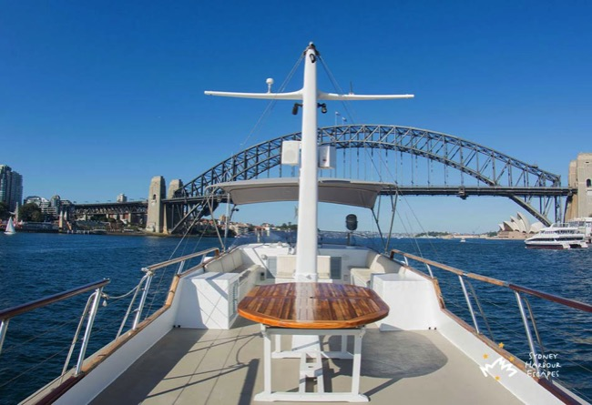 Silver Spirit near Harbour Bridge