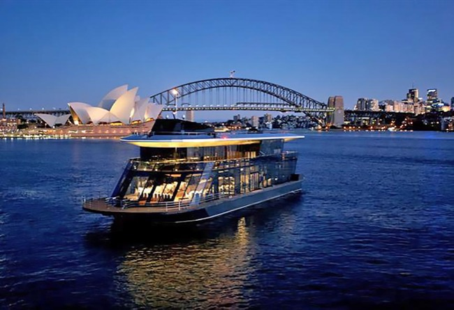 STARSHIP SYDNEY 144' 3 Level Cruising Venue Australia Day Charter