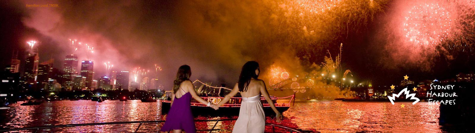 Watch New Years Eve Fireworks in Sydney